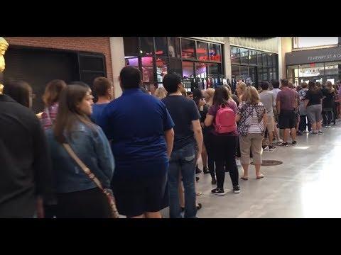 Ed Sheeran in Detroit: Crazy long merchandise line