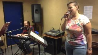 NOCNY DYŻUR - Być kobietą - Alicja Majewska