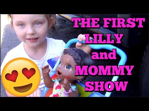 BABY ALIVE has a FUN DAY OUT. The FIRST Lilly and Mommy Show! The TOYTASTIC Sisters. FUNNY SKIT