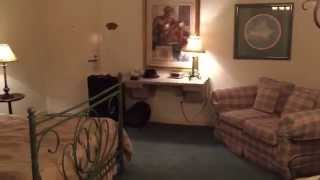 Cardiff-by-the-Sea Lodge - Hotel Room Tour - Room 105
