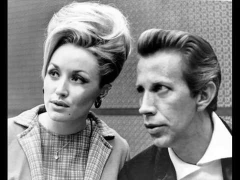 Porter Wagoner and Dolly Parton - Holding On To Nothin'