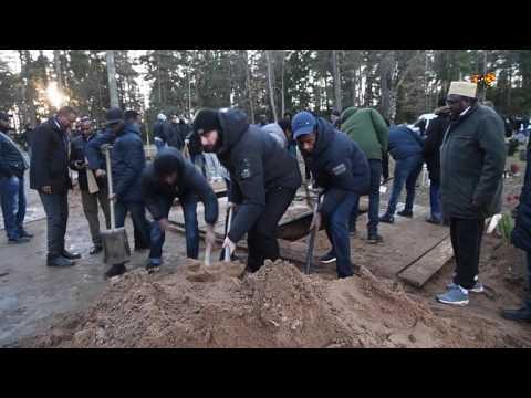 Säkerhetspådrag vid begravningen för mördade bröderna