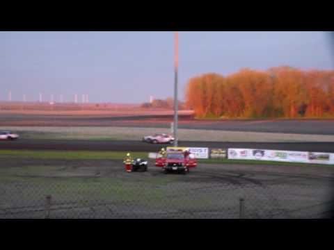 Hobby Stock Heat 2 @ Hancock County Speedway 04/28/17