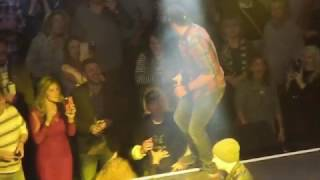Luke Bryan Interacts with Man Flipping Him Off at Charlie Daniels Volunteer Jam