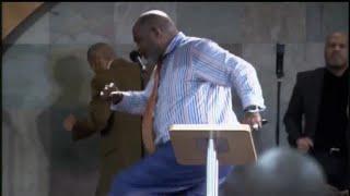 """I GOT IT"" Bishop Marvin Winans Powerful Prayer 🙏🏾 and 🔥PRAISE BREAK🔥 at Perfecting Faith Church!!!"