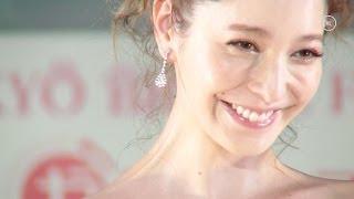 「第4回ウェディングドレスベストドレッサー」のモデル部門で藤井リナ...