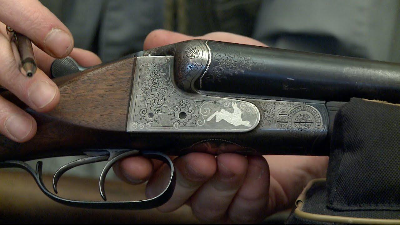 Цевьё — передняя часть ружейной ложи, закрывающая ствол полностью или частично. Может быть выполнено как элемент цельной ложи или как отдельная деталь. Купить цевьё для оружия вы сможете в нашем магазине.