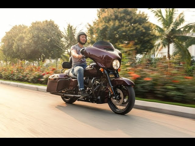 Mô tô PKL 1.750cc giá 1,35 tỷ - Harley Davidson Street Glide |XEHAY.VN|