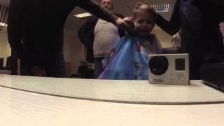 Первая стрижка ребенка.Стрижка машинкой. Стрижка для мальчика(Как подстричь ребенка? Как сделать стрижку ребенку? В чем особенность детских стрижек? Стрижки для детей...., 2016-03-24T19:33:09.000Z)