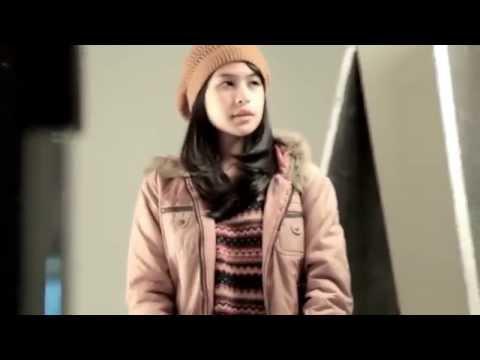 Di Balik Layar : Pemotretan Poster film Refrain (2013)