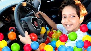 Arabada top havuzu ! Sado and Ball pool in car story for Kids