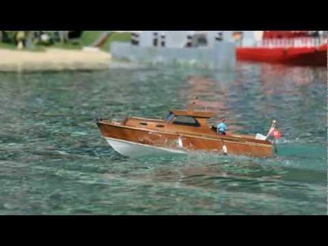 Merveilleux RC Boat   Diva   Cabin Cruiser