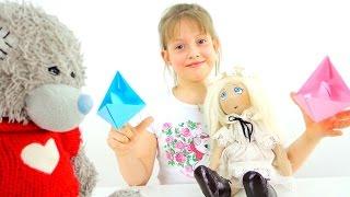 Поделки своими руками. ОРИГАМИ. Кораблик из бумаги. Видео для детей(Развивающее видео для детей - учимся делать оригами! Знакомьтесь, это - Ира - наша маленькая непоседа! А с..., 2016-03-28T06:04:02.000Z)