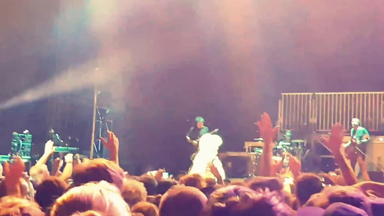 Grace Jones - Pull Up To The Bumper (live @ Dimensions festival, Pula)