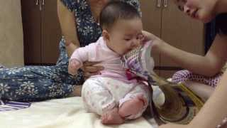 A funny baby (Vietnamese)