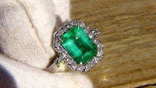 Colombian Emerald Diamonds Ring