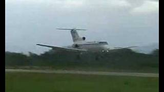 Yakovlev Yak-40 landing