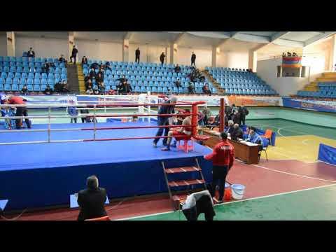 Чемпионат Армении по боксу полуфинал Нарек Захарян(Мартуни)-Акоб Хачикян (Ереван)