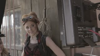 Roundtable Rival - Behind The Scenes - Lindsey Stirling