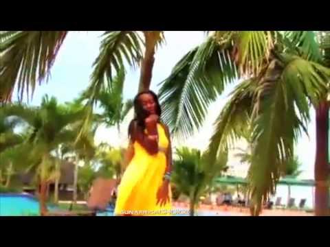 Juliana Kanyomozi Ft. Bushoke  -  Usiende Mbali