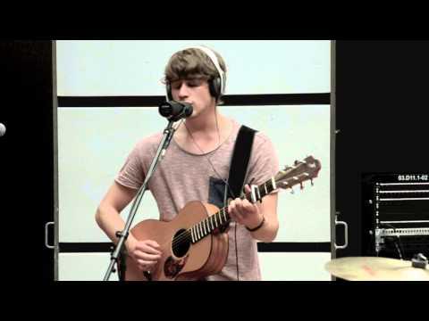 Damian Lynn - Memories (Live Session)