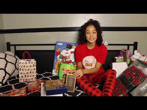 UNWRAPPING CHRISTMAS GIFTS | Erica Star