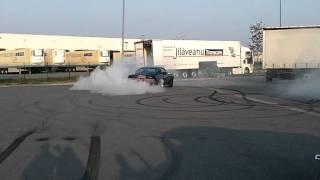 Zapętlaj Ford Mustang Shelby GT500E Eleanor Donut / Burnout | 440er.de