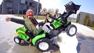 Tim Ride on Tractor Excavator Snow Removal | Kids car Pretend Play Time | Outdoor Playing with Cars