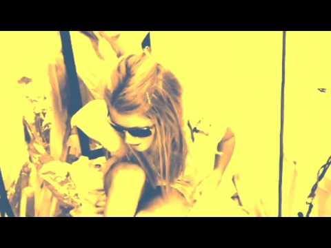 Roxy Saint films K. Blackout