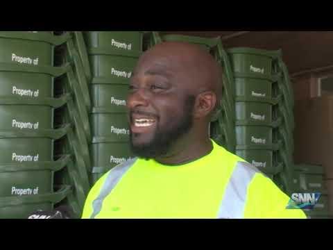 SNN: Sarasota's singing garbage man combines work with passion