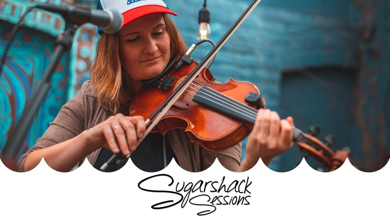 Della Mae - Long Game (Live Acoustic)   Sugarshack Sessions
