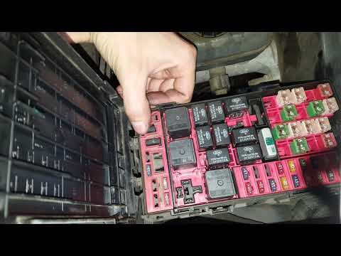 Ford Expedition AC clutch Fuse and Relay