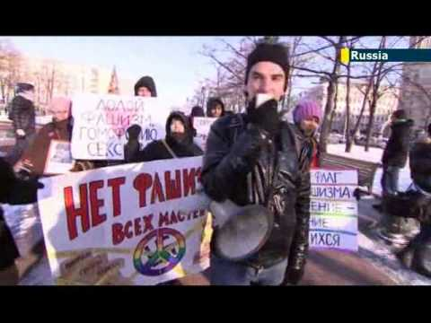 Russian activists protest against anti-gay laws: Putin's Sochi Olympics dogged by gay law backlash