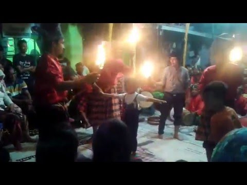 Tari Gandrang Bulo Traditional dances to burn the body of Makassar Indonesia Part 2