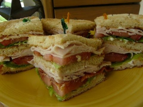 CLASSIC CLUB SANDWICH - How to make a CLUBHOUSE SANDWICH - YouTube