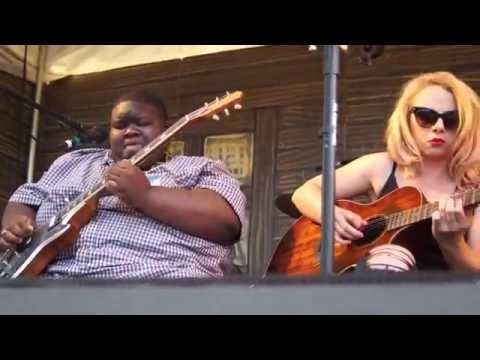 'Young Guns Talk Guitar' Samantha Fish / Kingfish Ingram & TY Curtis @ 2016 Portland WBF  8739
