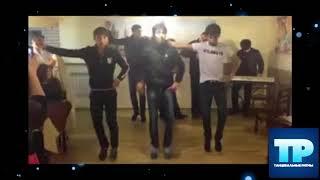 🔥Три парня круто танцуют