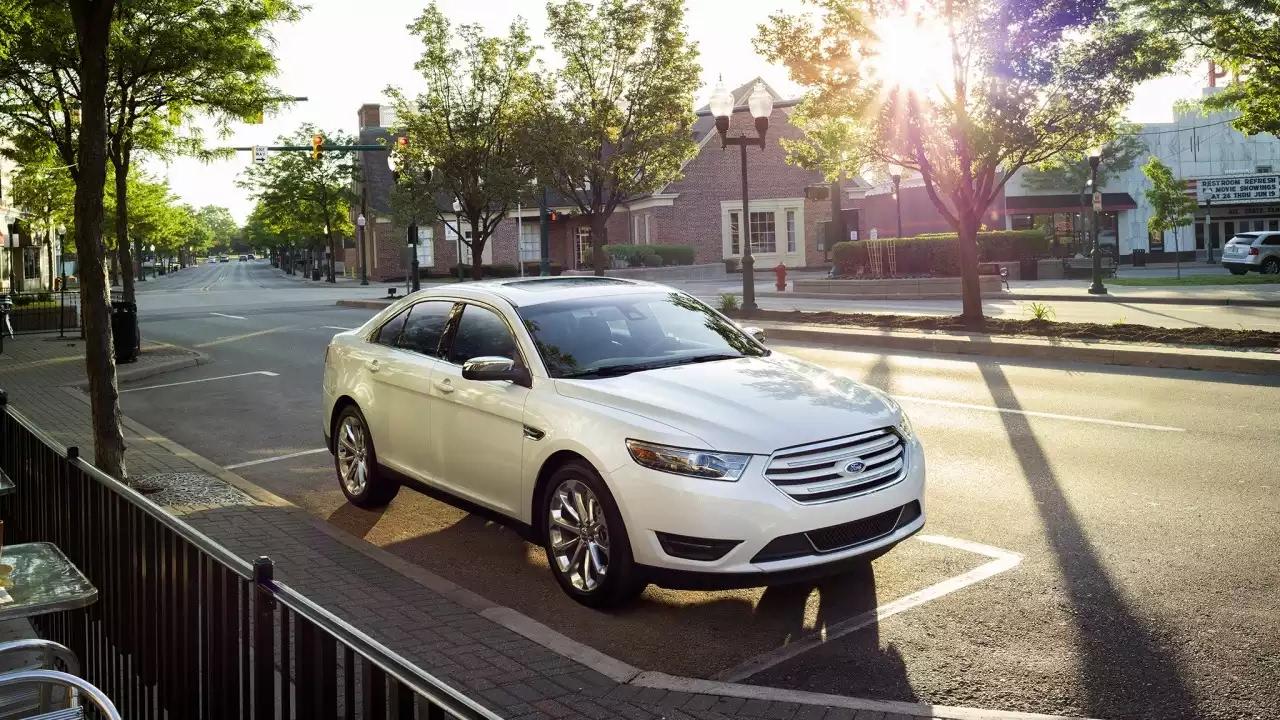 Ford taurus 2017 car review