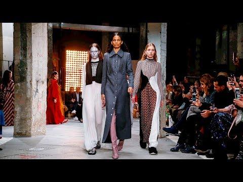 Giambattista Valli | Fall Winter 2018/2019 Full Fashion Show | Exclusive