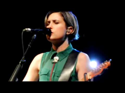 Missy Higgins feat Butterfly Boucher in Dallas-Secret