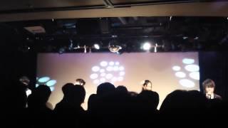 JAM2012の代替イベントでのライブ模様です。 後ろの方で撮影したので上...