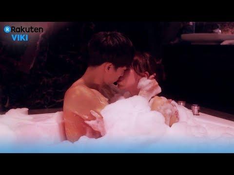 Hot Lesbians Intimate Kissing, Smooching Licking [ HD][ 18+] || Sexy Girls SmoochingKaynak: YouTube · Süre: 6 dakika57 saniye