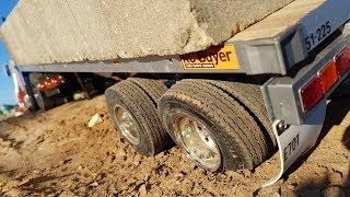 Перевозка ОЧЕНЬ ТЯЖЕЛОГО ГРУЗА ... Техника на пределе ... 2 грузовика, RC Tamiya Trucks