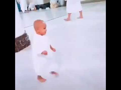 cute-baby-saying-labbaik-allah-humma-labbaik/khana-kaba