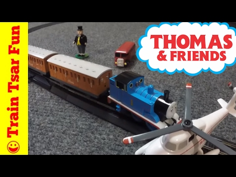 THOMAS & FRIENDS HO Scale Deluxe Train Set Special – with crashes! Bachmannn