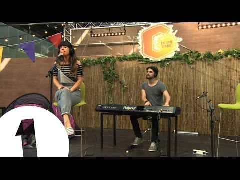Foxes: Glorious - Live & Acoustic at G in the Park mp3