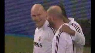 Taconazo de Guti y gol de Zidane thumbnail