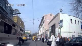 Невнимательный пешеход и трамвай Приколы 2015 - Jokes 2015 Inattentive pedestrian and tram