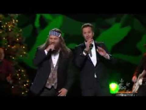 Willie Robertson & Luke Bryan - Hairy Christmas - YouTube