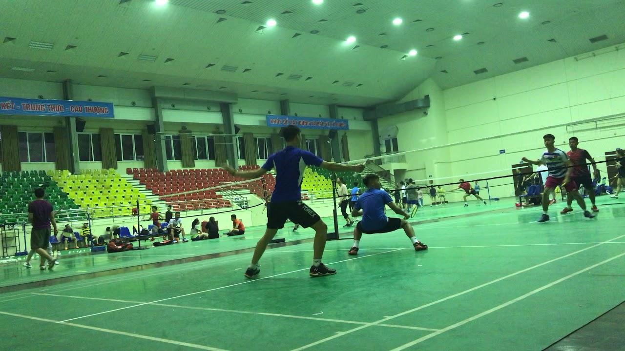 Trận đấu giao lưu với hai tay vợt trẻ cầu lông của Trường ĐH Sư phạm Thể dục Thể thao Hà Nội
